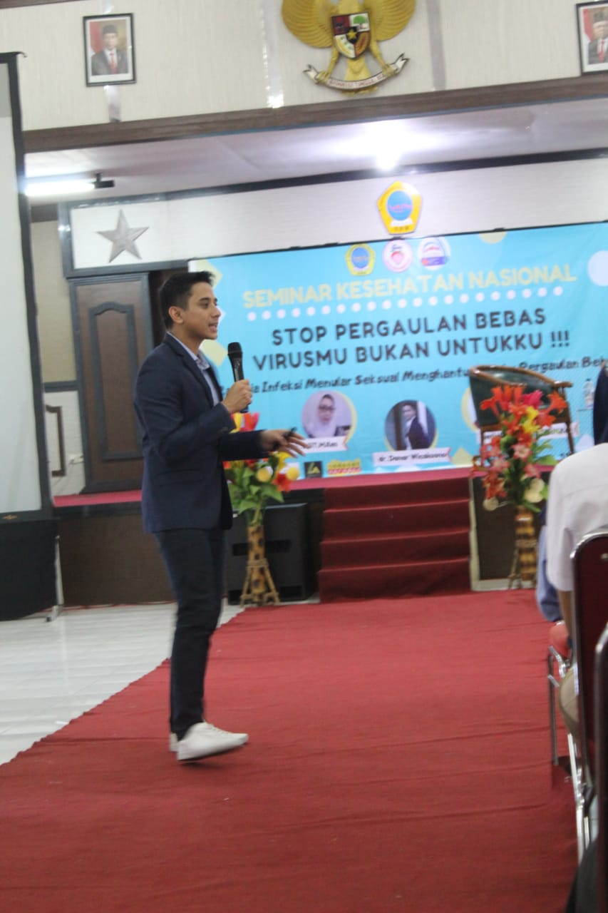 Seminar Remaja Stop Pergaulan Bebas